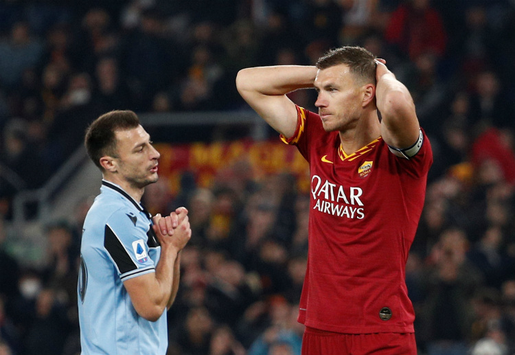 Serie A: Edin Dzeko scores during the 26th minute of AS Roma's match against Lazio
