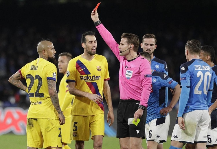 Arturo Vidal did not get to finish the Champions League Napoli vs Barcelona match due to a red card