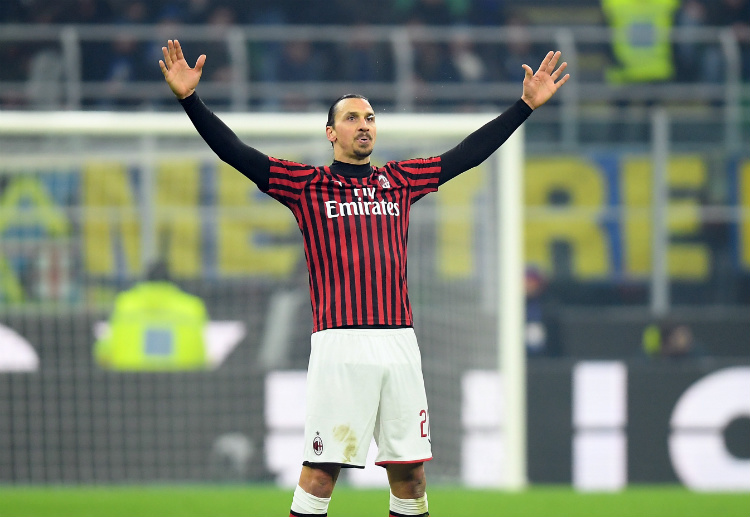 Zlatan Ibrahimovic scores before the first half of their Serie A match vs Inter Milan ended