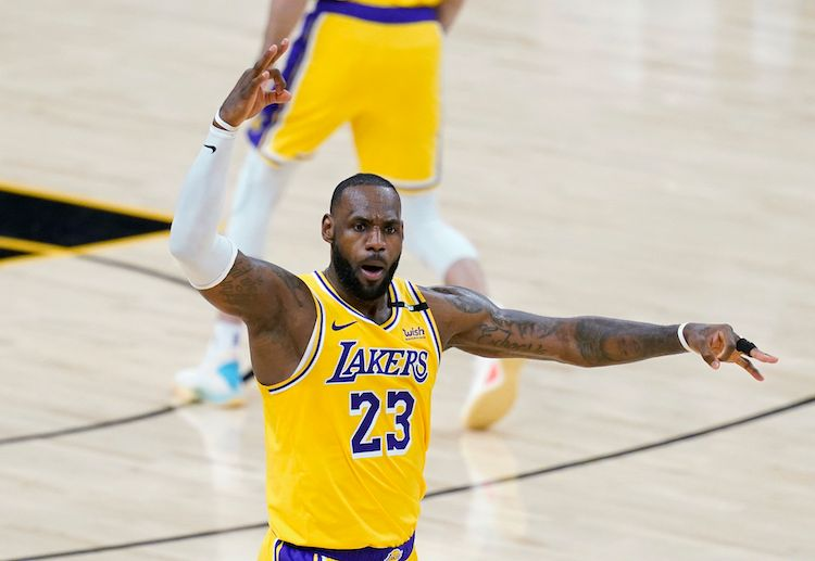 LeBron James is all set to seal another win for Lakers against Suns in the NBA Playoffs