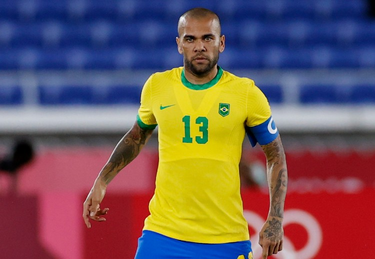 Dani Alves is the oldest player at the Olympics 2020 at the age of 38.